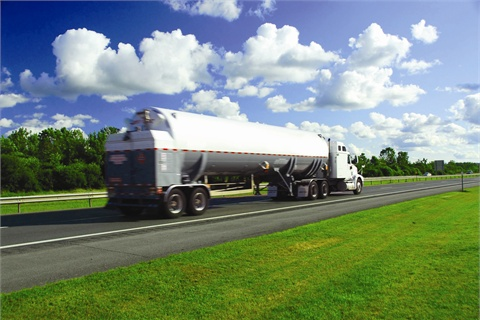 According to Wayne Corum of Fort Worth, Texas, freight is an important factor in many fleet agencies' fuel purchasing decisions. The freight on the Fort Worth/­National IPA contract benefits large agencies.