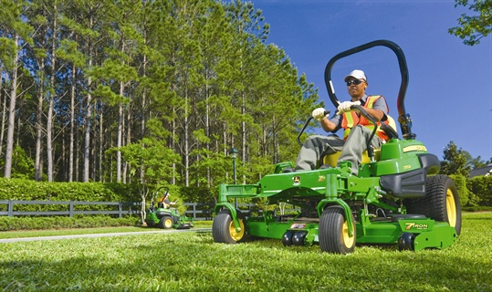 The John Deere Ztrak Pro 950A features a two-cylinder, 31 hp engine with onboard diagnostics and forward travel speed of up to 12 mph.