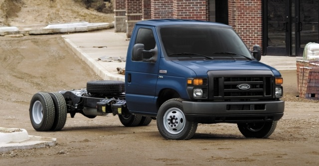 The Ford E-Series chassis can tow up 10,000 pounds when properly equipped, and payload tops out at 8,988 pounds. (PHOTO: Ford)