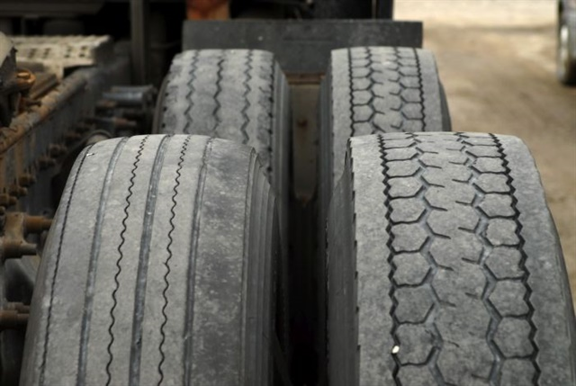 Deep lug tires designed for traction may wear faster than rib tires on clean dry pavement.