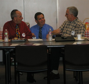 The meeting included networking breaks, allowing time for fleet professionals to discuss their concerns and solutions.