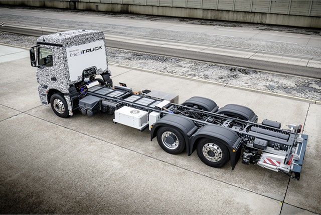 Mercedes Urban eTruck has a three-module battery pack between its frame rails and a motor at each end of its single drive axle.