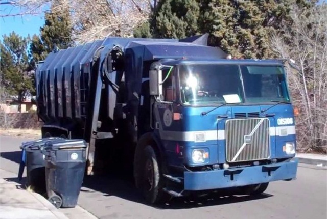 Photo of City of Albuquerque refuse truck via Solid Waste Entertainment/YouTube.
