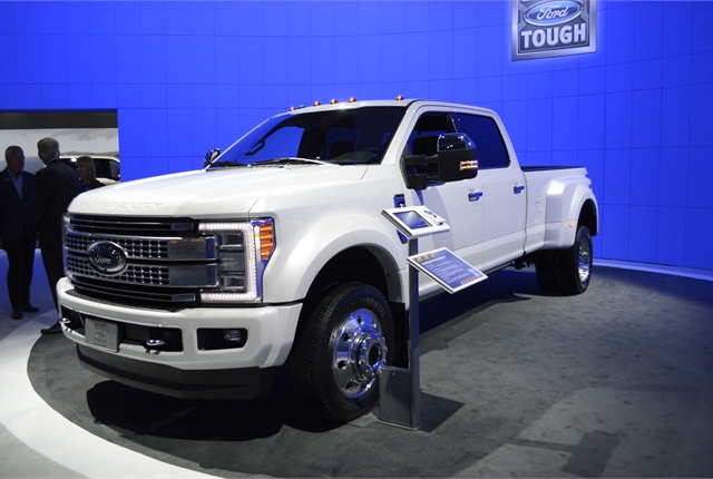 Photo of 2017 Ford Super Duty F-450 Platinum by Thi Dao.