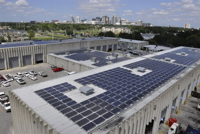 A 420kW leased solar photovoltaic array has produced more than 1.5 million kilowatt hours of renewable energy onto the grid. Photo courtesy of City of Orlando.