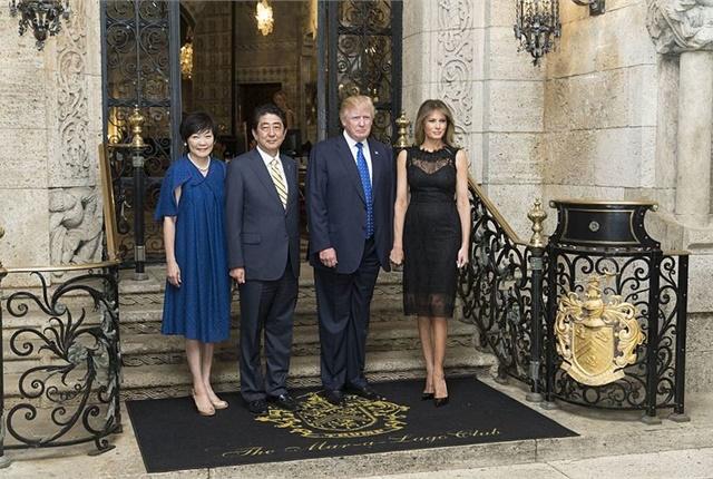 President Donald Trump and First Lady Melania Trump host Japanese Prime Minister Shinzo Abe and his wife, Akie Abe, at Mar-a-Lago in nearby Palm Beach, Fla., Feb. 11. Photo via Wikimedia/内閣官房内閣広報室