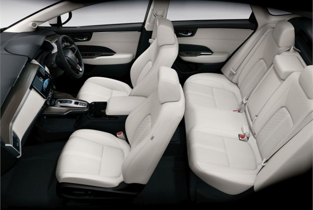 Photo of Clarity FCV interior courtesy of Honda.