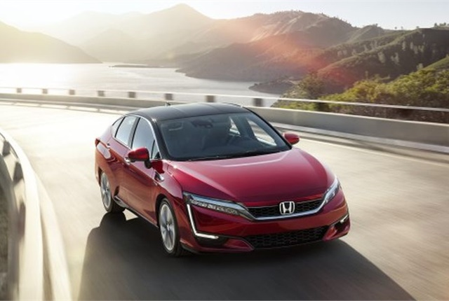 Photo of 2017 Clarity Fuel Cell courtesy of Honda.