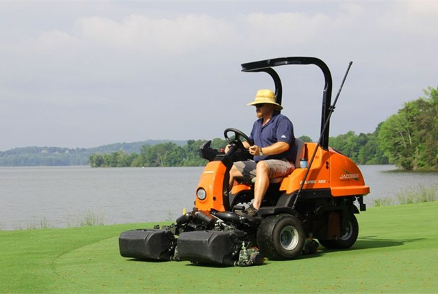 The Bear Trace at Harrison Bay Golf Course purchased seven Jacobsen ECLIPSE 322 riding greens mowers, among other all-electric equipment. Photo courtesy of Jacobsen.
