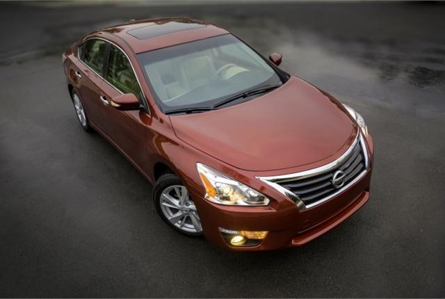 Photo of 2015 Altima courtesy of Nissan.