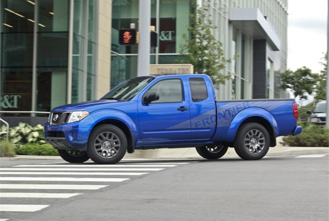 Photo of 2012-MY Frontier courtesy of Nissan.