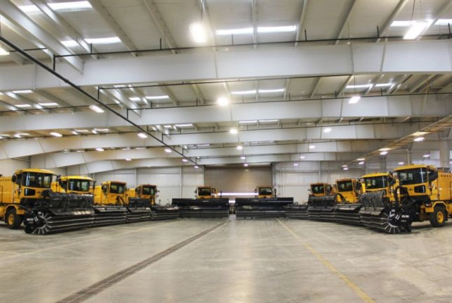 H-Series snow removal vehicles photo via Oshkosh Airport Products.
