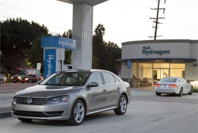 Photo of Passat HyMotion courtesy of Volkswagen.