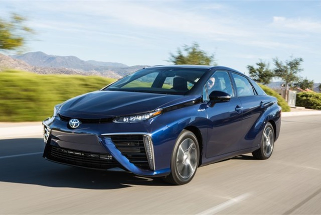 Photo of 2016 Mirai courtesy of Toyota.