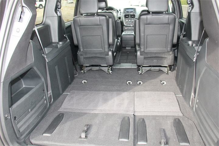 The Van Provides 143 8 Square Feet With The Third Row Seats Folded Fca 39 S 2016 Dodge Grand