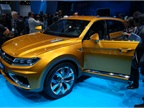 Volkswagen CrossBlue Coupé Concept features a plug-in V6