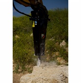 <p>Pictured is the Caterpillar H75Es, which delivers 1,000 ft.-lb. of energy at 840 to 1,650 blows per minute.</p>