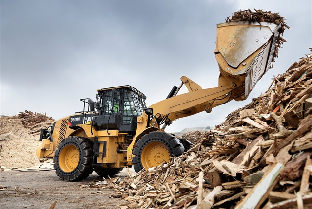 <p>Cat 950M wheel loader. <em>Photo courtesy of Cat</em></p>