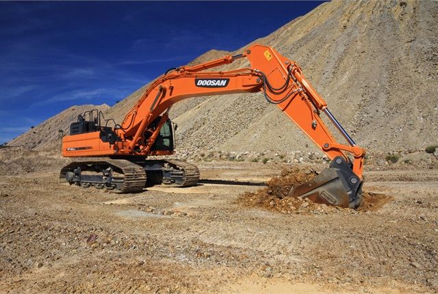 <p>Pictured is the DX490LC-5. <em>Photo courtesy of Doosan.</em></p>