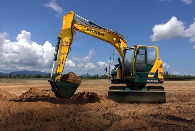 <p>Hyundai Construction Equipment Americas'HX130LCR compact-radius excavator. <em>Photo courtesy of HCEA</em></p>
