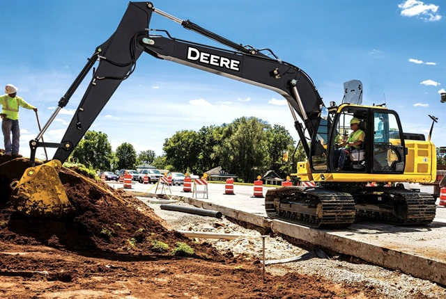 <p>Deere 180G LC excavator. <em>Photo courtesy of John Deere</em></p>