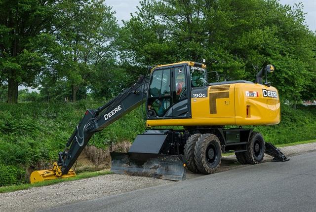 <p>John Deere 190G W wheeled excavator.<em> Photo courtesy of John Deere.</em></p>