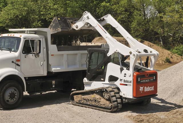 <p>T870 compact track loader.<em> Photo courtesy of Bobcat</em></p>